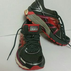 Brooks GTS SEVENTEEN Size 6.5 Athletic shoes